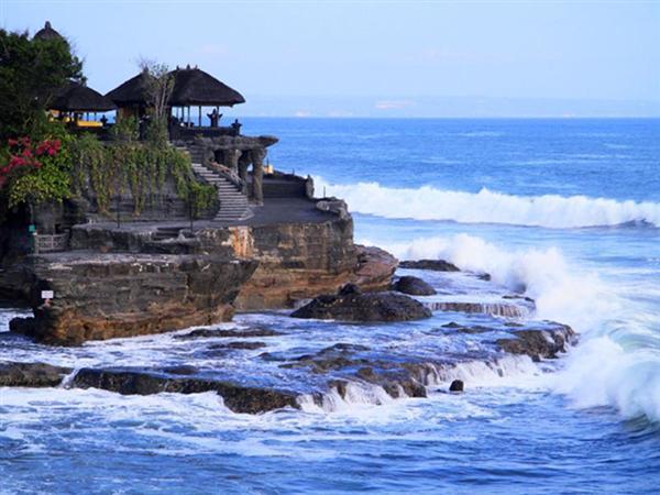 <巴厘岛双岛传奇4晚6日>2晚独栋泳池别墅+2晚国际5星酒店+海神庙+田园下午茶